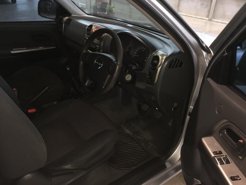D-MAX CAB 2.5 SLX ,M/T